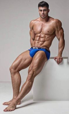 nude Male built