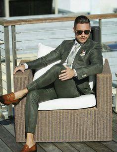 Green custom suit #weddingideas #groom #groomsmen #weddings #mensfashion #bespoke #menstyle #menswear #weddingsuits #customsuits #tailoredsuit #menssuits #tuxedo #mens #weddingtuxedo #tux #giorgentiweddings