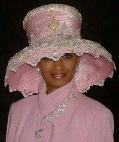 Don't wear something that looks like a lampshade! Church Suits And Hats, Church Hats, Church Fashion, Stylish Hats, Kentucky Derby Hats, Church Outfits, Church Clothes, Fancy Hats, Pink Hat