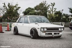 Datsun 510 Info and Specifications, Photos and wallpapers at the juicy Automotive website Datsun 510, Datsun Roadster, Classic Japanese Cars, Japanese Sports Cars, Classic Cars, Honda S2000, Honda Civic, Kyoto, Datsun Bluebird