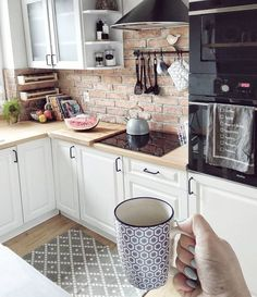 magnificient small kitchen design ideas on a budget 22 ~ thereds. Home Decor Kitchen, Kitchen Interior, New Kitchen, Home Kitchens, Kitchen Ideas, Kitchen Hoods, Glass Kitchen, Kitchen Art, Bathroom Interior