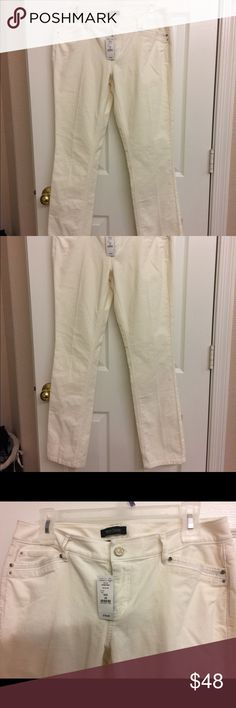 White Black House Market Pants NWT cream colored pants. Slim Leg Noir 6 R White House Black Market Pants
