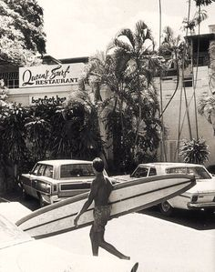 Barbados Surfing conditions are ideal for any level of surfer. Barbados is almost guaranteed to have surf somewhere on any given day of the year. Retro Surf, Vintage Surf, Vintage Beach Photos, Beach Images, Vintage Travel, Collage Mural, Beach Boys, Surfing Pictures, California Surf