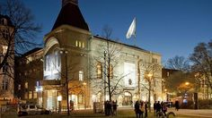 Berliner Ensemble, Brecht's theater