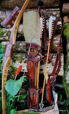 Large side-quiver, feather-cover and hunting arrows
