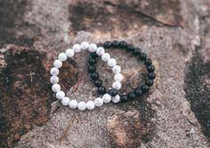 "#socialmedia RT AlphaAcessories: ""Distance"" Bracelets 1 wears white  1 wears black  Stay connected wherever  http://pic.twitter.com/nwFdV76kHi   Social Marketing Pro (@Social_MKT_) October 11 2016"