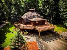 Stained Cedar Deck by Creative Decks & Landscaping Yurt Home, Geodesic Dome Homes, Natural Homes, Dome House, Unusual Homes, Earth Homes, Earthship, Sustainable Architecture, Residential Architecture