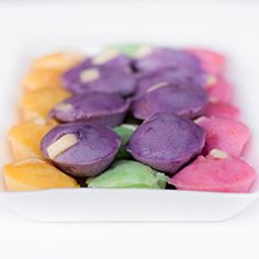 Ube Rice Cakes and pictures of other purple yam treats from the Philippines Filipino Desserts, Asian Desserts, Filipino Recipes, Filipino Food, Ube Recipes, Cupcake Recipes, Dessert Recipes, Kitchens, Desert Recipes