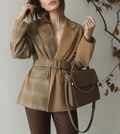 Suit Fashion, Winter Fashion Outfits, Look Fashion, Hijab Fashion, Fashion Dresses, Fashion Design, Girl Fashion, Stylish Work Outfits, Classy Outfits