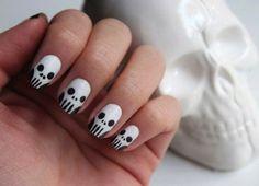 Halloween Nail Art. Skulls.