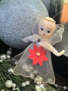 Luvvvv these vintage angel ornaments