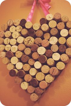 a champagne dream: Valentine DIY: Wine Cork Heart Champagne Cork Crafts, Champagne Corks, Wine Cork Crafts, Cork Heart, Need Wine, Wine Baskets, Valentines Diy, Xmas Gifts, Wine Corks
