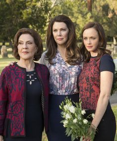 All the theories we spotted in the new Gilmore Girls trailer