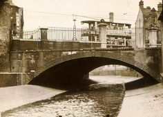 Deritend Bridge over the River Rea shortly before its demolition and replacement in the summer of 1935 Birmingham City Centre, Birmingham England, Over The River, Yesterday And Today, Old Things, The Originals, Street, Places, Ancestry