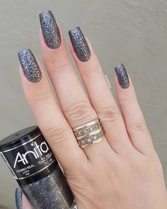 Adding some glitter nail art designs to your repertoire can glam up your style within a few hours. Check our fav Glitter Nail Art Designs and get inspired! Elegant Nails, Classy Nails, Stylish Nails, Trendy Nails, Nailart, Modern Nails, Thanksgiving Nails, Luxury Nails, Manicure E Pedicure