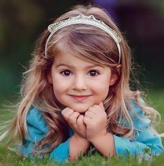 Children Photography Ideas Girls Happy New Ideas Little Girl Photography, Children Photography Poses, Cute Kids Photography, Photography Ideas, Beautiful Little Girls, Cute Little Girls, Beautiful Children, Beautiful Babies, Baby Girls