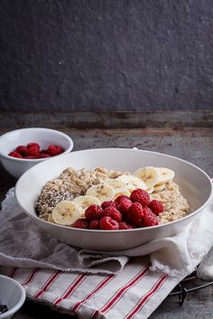 Creamy oatmeal bowls with raspberries, seeds and honey - Simply Delicious