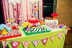 Este foi um projeto delícia de fazer: encomenda da Fernanda para a festa de três aninhos da sua pequena, que aconteceu em Ubatuba, a decora...