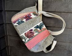 Check out this item in my Etsy shop https://www.etsy.com/listing/287943417/extra-large-fabric-handbag3-handletrims