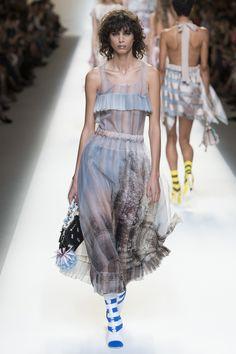 #Fendi     #fashion   #Koshchenets   Fendi Spring 2017 Ready-to-Wear Collection Photos - Vogue