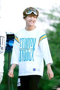 "17sehun: "" fykimtaehyung: ""© King of the Heart   Do not edit."" @mytaeddy """