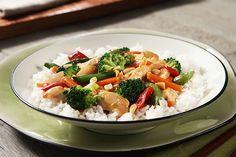 Les mets asiatiques sont faciles à préparer à la maison grâce à des recettes éclair comme ce savoureux sauté!