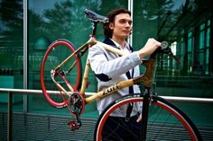 Zuri chose the bright-colored components as a contrast to the Urban Fixie's natural bamboo...