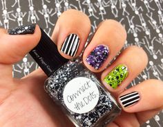 I'm in love with these Beetlejuice nails! They're simple but super fun - grab some striping tape and a black-and-white glitter topper and you're on your way! Click over to the blog for more info.