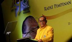 Partai Politik Indonesia: Isu Miring Ical Vs Prabowo