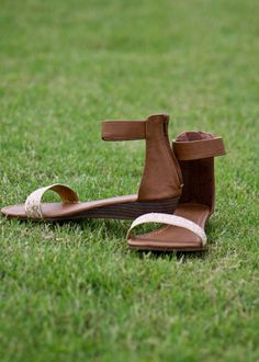 Under The Boardwalk Sandals-$23 http://twochicksonaclothesline.com/collections/shoes/products/a-summer-to-remember-sandals-tan-gold