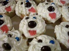 Old English sheepdog cupcakes. So gonna make these.