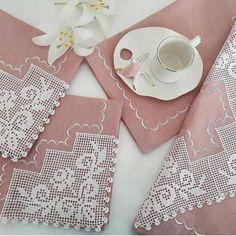 Filet Crochet, Crochet Doilies, Crochet Flowers, Crochet Flower Tutorial, Needle Lace, Photoshop Design, Crochet Designs, Diy And Crafts, Napkins
