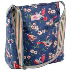 Our popular cotton messenger bag is a relaxed style that looks great worn across the body.  This design features our popular British Birds print, with floral lining and fully adjustable rainbow coloured handle.  There are also some handy pockets, perfect for your phone or purse - two on the inside and two on the outside!