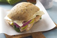 Treat yourself to a turkey sandwich with the works! And by works, we mean baby spinach leaves, apple and onion slices and Swiss cheese. You deserve it! Apple Sandwich, Sandwich Recipes, Sandwich Fillings, Lunch Recipes, Turkey Sandwiches, Wrap Sandwiches, Kraft Recipes, Apple Recipes, Turkey Recipes