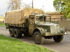 Tatra 111 Vintage Cars, Antique Cars, Monster Trucks, Vehicles, Military, Design, Tractor, Rolling Stock, Army