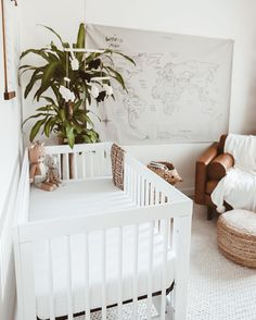 This type of winnie the pooh nursery is certainly an extraordinary design alternative. Baby Bedroom, Baby Boy Rooms, Baby Cribs, Baby Room Decor, Baby Boy Nurseries, Nursery Room, Baby Girl Names, Boy Names, Baby Bedding