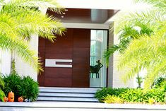 Checkout these modern front door ideas for your home. Thirty unbelievable front door ideas for your modern home. Feed your design ideas now. House Design, Door Design Interior, Wood Front Doors, Modern Front Door, House Exterior, Exterior Design, Front Door Handles, Entrance Design, Front Door Design