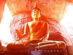 Hach, wären wir doch nur alle so weise wie Buddha. Seine Lebensgrundsätze zeigen uns den Weg zu einer glücklichen Beziehung.