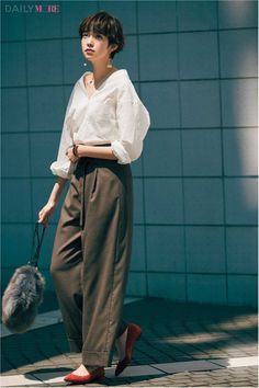 Shot Hair Styles, Androgynous Fashion, Looks Vintage, Japan Fashion, Fashion Outfits, Womens Fashion, Minimalist Fashion, Pretty People, Korean Fashion