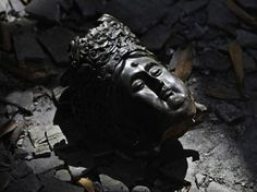More than than 2,000 Buddha statues and statue fragments which date back to the Eastern Wei and Northern Qi periods (534-577 A.D.) have been unearthed at Yecheng in China.