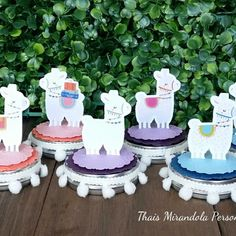 Latinha Lhamas 2 Llama Birthday, Baby Girl 1st Birthday, Diy Party Decorations, Party Themes, Llama Alpaca, Festa Party, Alice In Wonderland Party, Ideas Para Fiestas, Baby Shower Themes