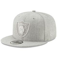 d181a68d000 Men s Oakland Raiders New Era Gray Twisted Frame 9FIFTY Adjustable Snapback  Hat