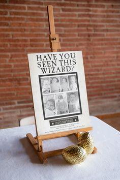 Baby shower thème Harry Potter | Le Comptoir du Bonheur Harry Potter Baby Shower, Theme Harry Potter, Anniversaire Harry Potter, Place Cards, David, Place Card Holders, Baby Harry Potter, Lunch Count, Bonheur