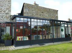 Veranda design ronde montpellier vente agrandir verandas for Veranda moderne piscine
