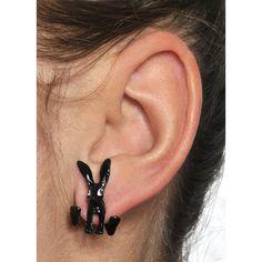 """Coppia di orecchini con perno """"Quiet Rabbit"""" del brand #Wildcat a forma di coniglietti neri. Materiale: perno: acciaio, coniglietto: plastica. lu.: 2,5 cm, l.: 1,4 cm."""