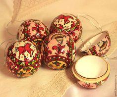 """Елочный шар-тайник из дерева с росписью 7см. """"Счастливый"""" - ярко-красный, русский стиль"""