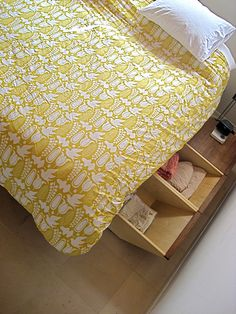 The Hull Bed- Retractable Drawers by Jeremy Levine Design, via Flickr - perfect built in storage