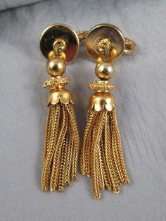 Vintage Monet clip earrings swingy chain tassel earrings gold-tone #Monet #DropDangle