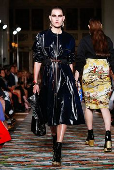 Review of Buro 24/7: Dior, cruise in 2017, Buro 24/7