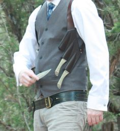Whether youre aiming for Stylish or Stealthy, this handmade leather shoulder holster will keep your flask both discreet and handy anywhere your travels take you. Custom tailored for a perfect fit, leather and hardware for this piece is available in your choice of color. Knives are